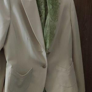 Tahari three piece pant suit